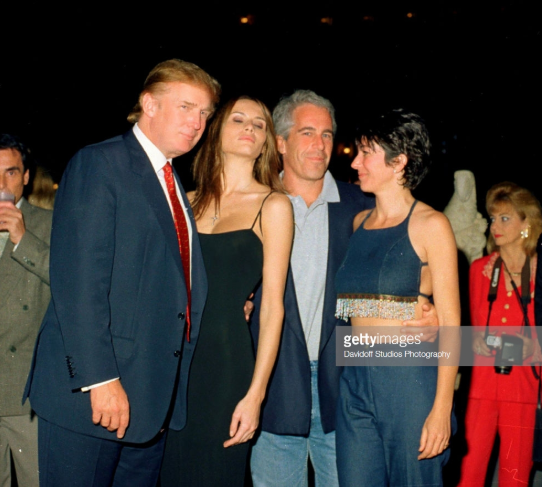 2018-09-09 22_03_48-From left, American real estate developer Donald Trump and his