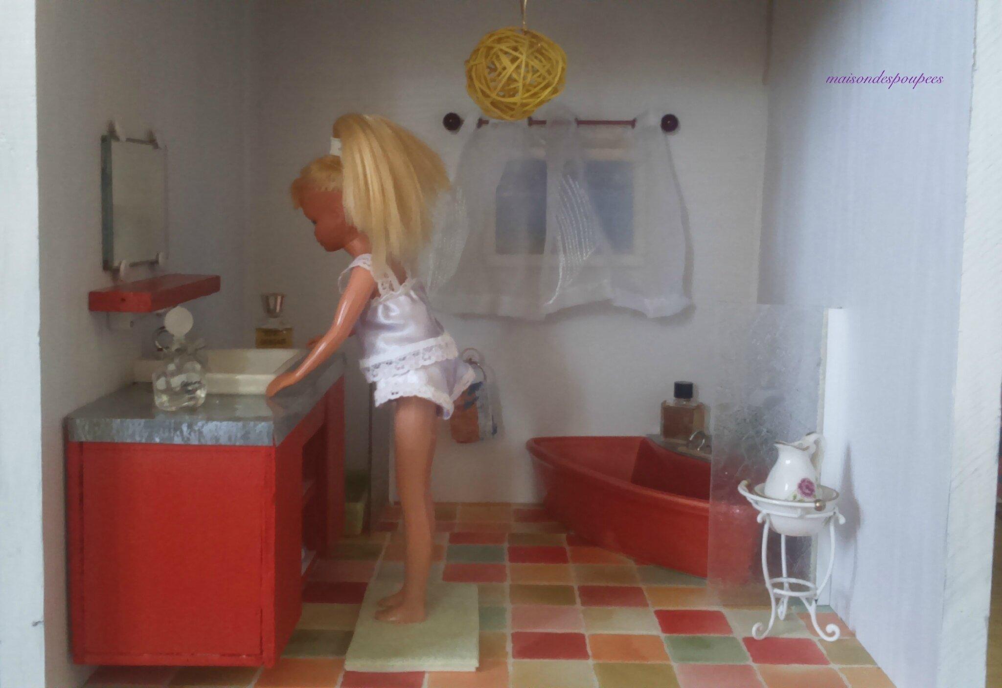 La salle de bains des Barbie