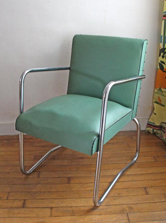 paire-de-fauteuils-en-skai-mint-vintage-seul