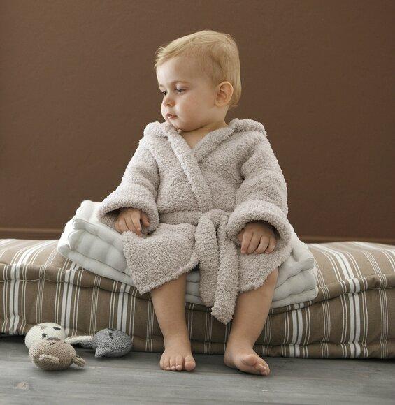 Une robe de chambre pour bébé - La Malle aux Mille Mailles
