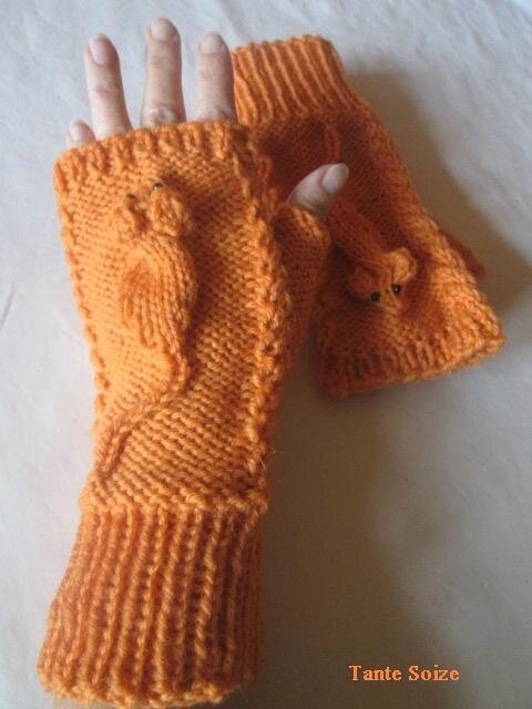 Squeaky Mittens 03