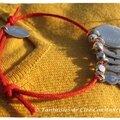 Bracelet coton ciré rouge médailles gravées enfants-1
