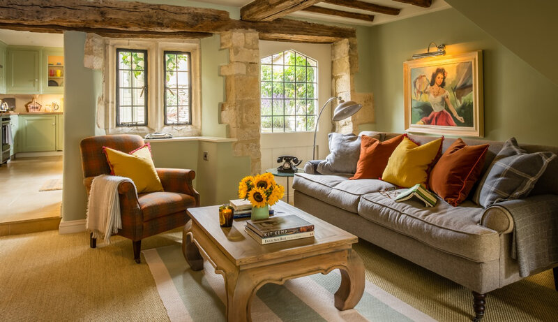 burford-luxury-self-catering-cottage-in-cotswolds-little-scarlet