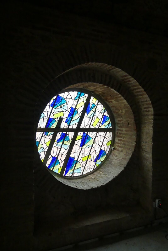 Vitrail contemporain en dalle de verre - Oculus - Clotilde Gontel - Le vent