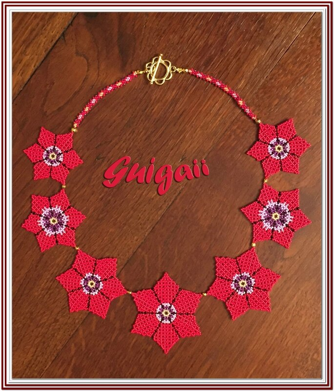 185 Collier Fleurette rouge