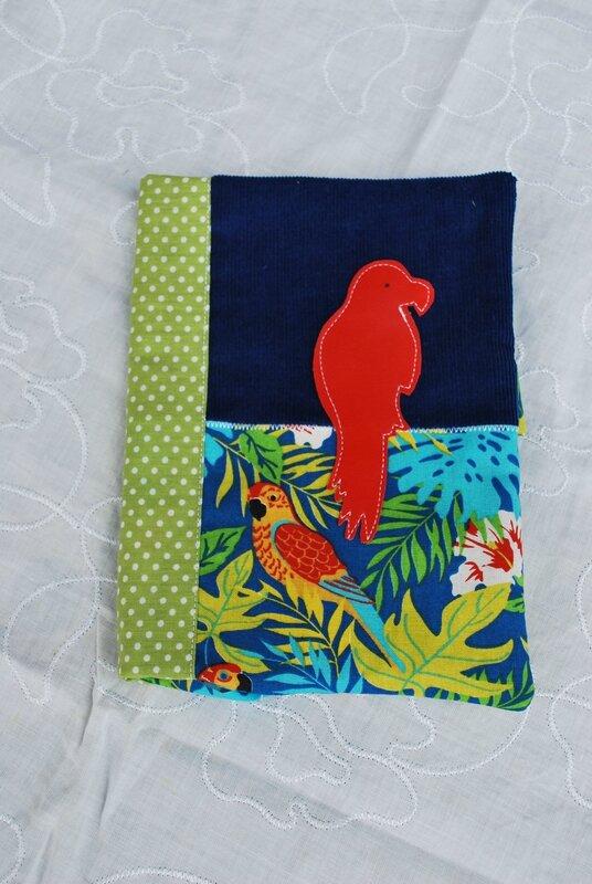 lingettes, serviettes bandeaux enfants robes tabliers 003