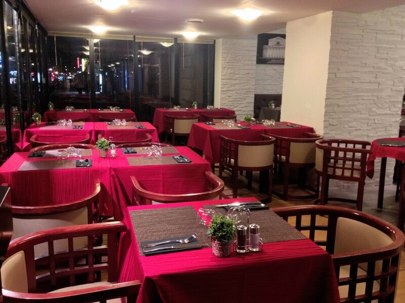 Vatrouchka, restaurant russe à Montparnasse