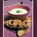 Velouté de panais petits pain /soda bread au cottage cheese, lardons & noisettes