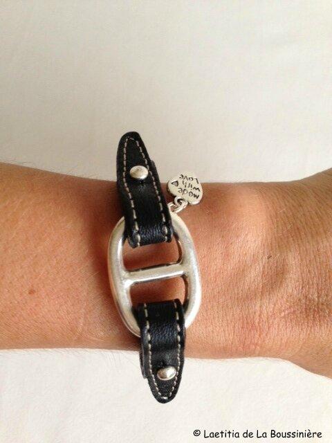 Le bracelet Grain de Café cuir noir de Viviane