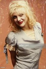 courtney_love-1993-by_kevin_cummins-1-5a
