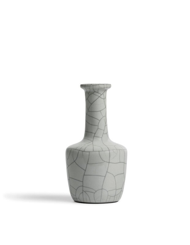 A Fine Ge-Type Bottle Vase