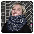 PH2016-12-07-18-04-217-owly-mary-du-pole-nord-fait-main-snood-tour-de-cou-automne-hiver-maryse-maille-pull-bleu-marine-ecru-blanc-v-chevron-polaire-doudou-double