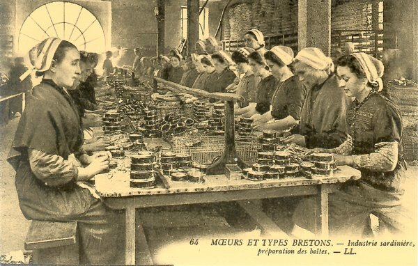 Carte-postale-ancienne-414-BRETAGNE-Industrie-sardiniere-1