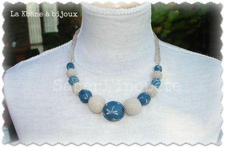 collier bleu canard japonais et crochet 1