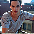 [l'homme du moment] penn badgley