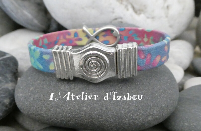 P1030207 Bracelet cuir multicolore, passant poisson et fermoir spirale magnétique