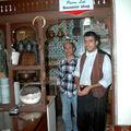 Serveurs dans le café Pierre Loti