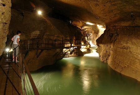 grotte_des_planches_1
