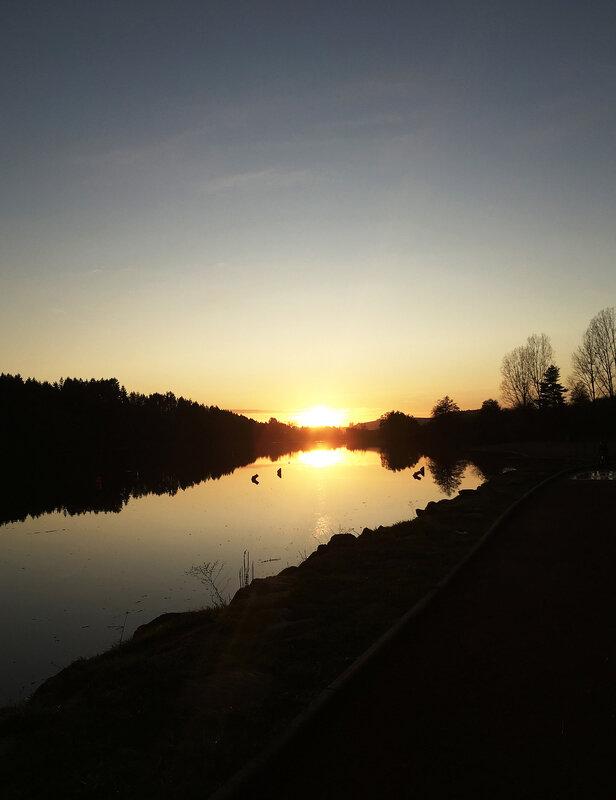 lac-des-sapins-cublize-soleil-couchant-ma-rue-bric-a-brac