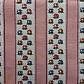 18-268 tissu ancien fleuri et rayures roses