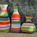 Vases et bouteille crochet
