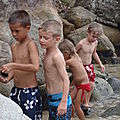Les loulous sur la plage du Pain de Sucre, Terre-de-haut, Les Sa