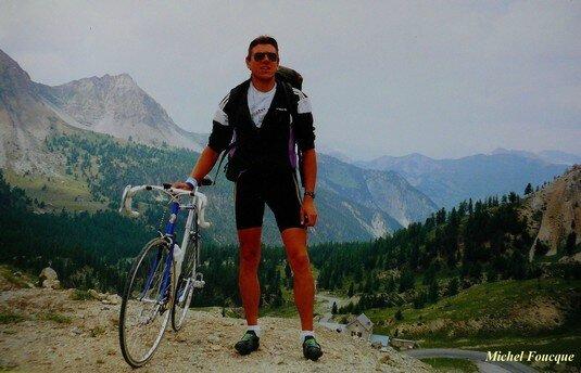 832) Montée à vélo au col d'Izoard (Queyras)