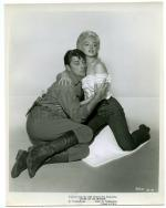 film-ronr-lobby-MONROE__MARILYN_-_RIVER_OF_NO_RETURN317