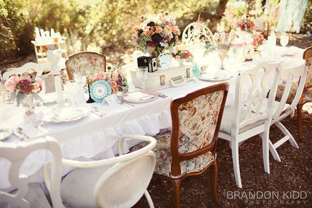 french_vintage_inspired_tablescape_pink_green_blue