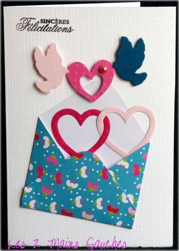 carte de félicitations avec enveloppe fleurie, coeurs et colombes