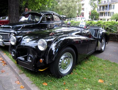Triumph_TR2_de_1955_02