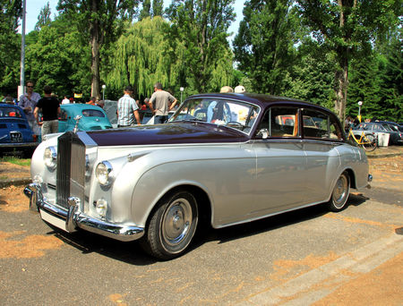 Rolls_Royce_silver_cloud_II_de_1960__Retrorencard_juin_2010__01