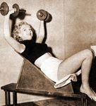 1951_Marilyn_Home01_Training010
