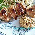 Brochettes de poulet marinées, sauce satay