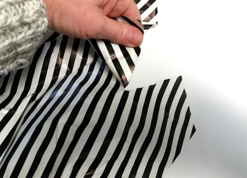 346-Compositions abstraites-Recyclage papiers cadeaux (34)