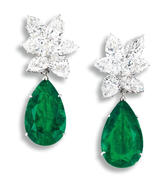 A Magnificent Pair of 14.59 and 12.54 carats Colombian Muzo Emerald and Diamond Pendent Earclips, Earclips Signed Harry Winston