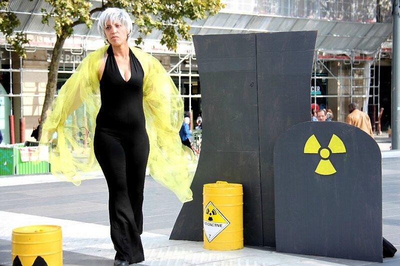 6-Manifestation «Non au salon pro-nucléaire»_7626