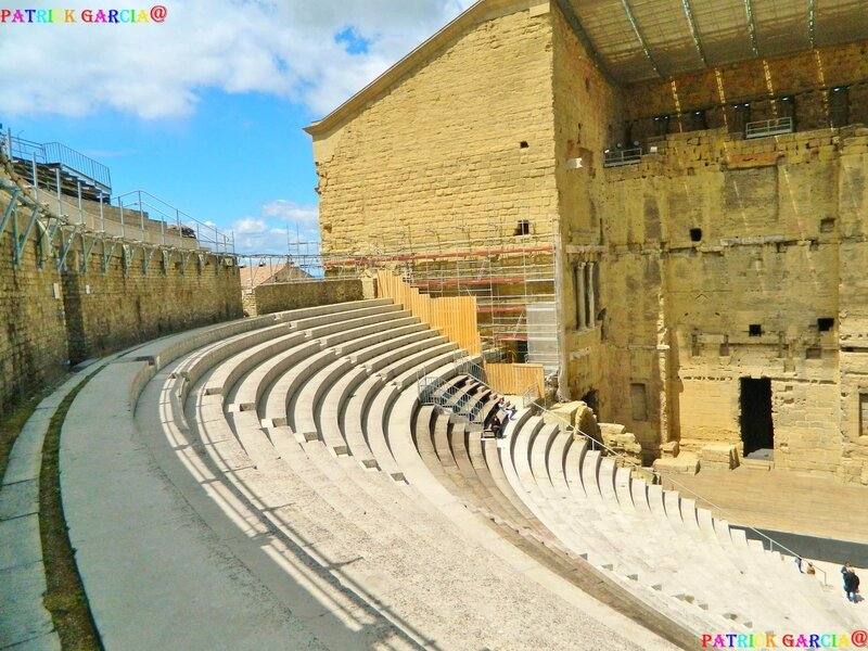 ORANGE THEATRE CAVEA 115 copie