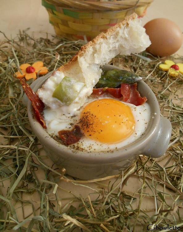 Œufs-cocotte aux asperges, morilles & parmesan