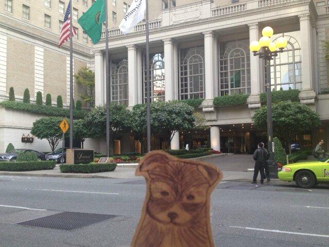 25-09 Christian Grey et Anastasia Steele car elle est descendue au Fairmont Olympic Hotel à Seattle