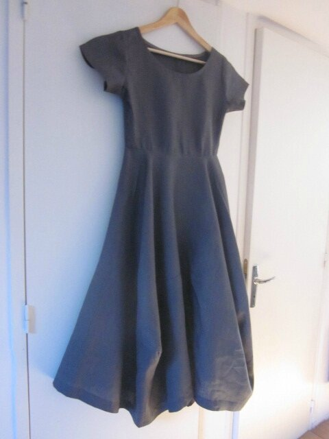 4d3884b4eed Robe EULALIE en lin gris anthracite - taille 38 (2)