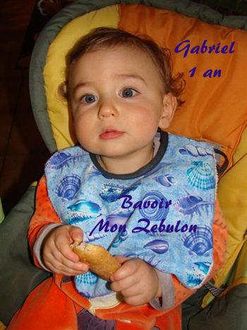 Gabriel 1 an bavoir coquillages