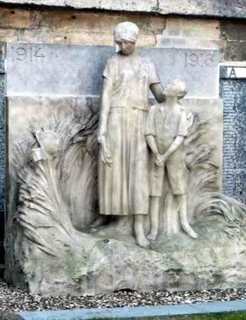 Monument aux Compiègne Del Sarte1
