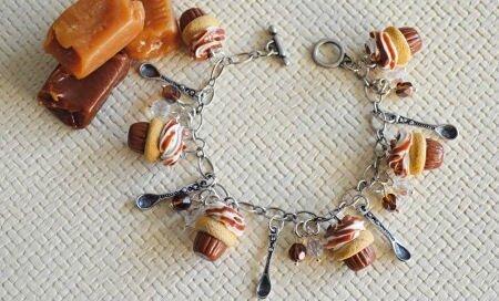 bracelets-breloques-en-patere
