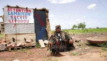 L'AMOUR PSYCHO OCCULTE DU COMPÉTENT MAÎTRE MEDIUM VOYANT MARABOUT AFRICAIN SAMARI ABOU