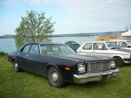 PLYMOUTH Fury 4door Sedan 1975 Madine (1)