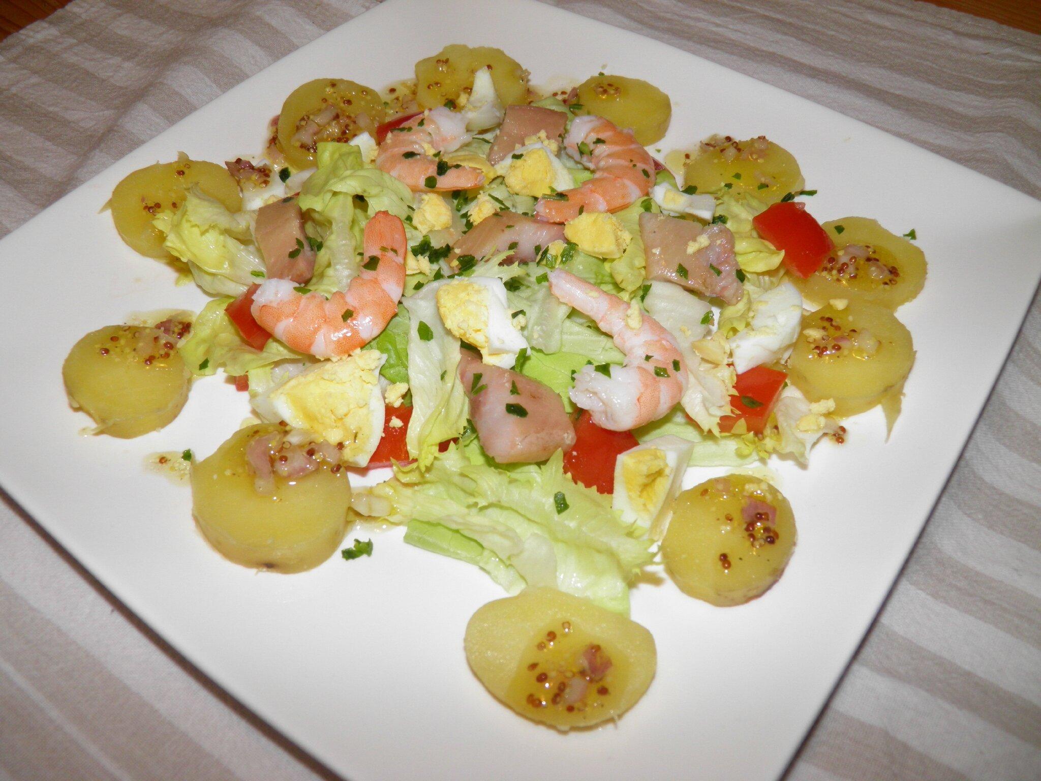 entr e ou plat salade dieppoise aux harengs crevettes et oeufs durs terre et mar. Black Bedroom Furniture Sets. Home Design Ideas