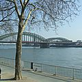 Cologne - le long du rhin
