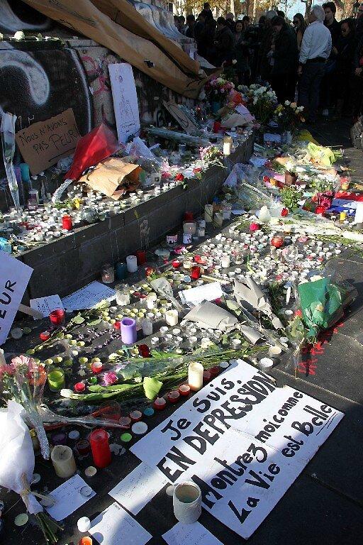 Hommage attentats Répu 13-11-15_5381