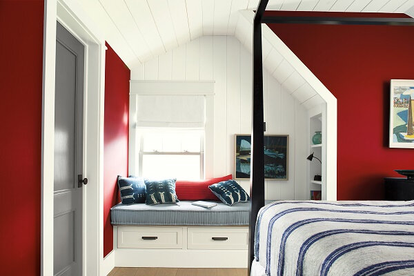 A+Seaside+Retreat+full+of+colour+and+pops+of+red+from+Benjamin+Moore+(4)